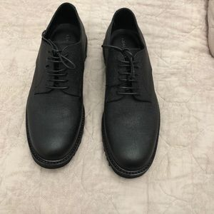 Men's Armani black leather dress shoes size 10